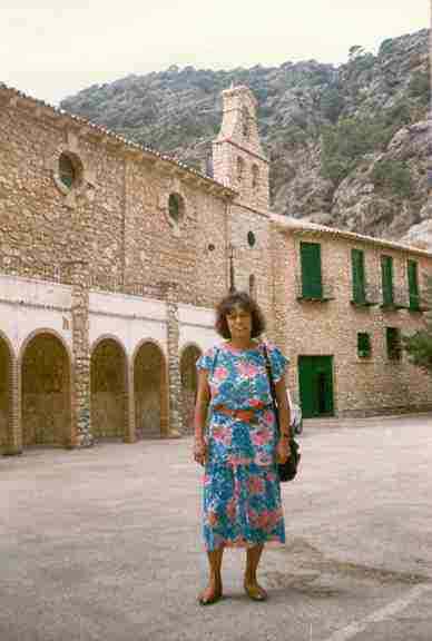 áspero puesto grande cerca de Jaén